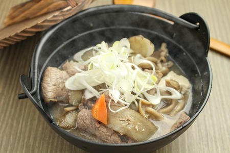 国産和牛の芋煮のサムネイル画像